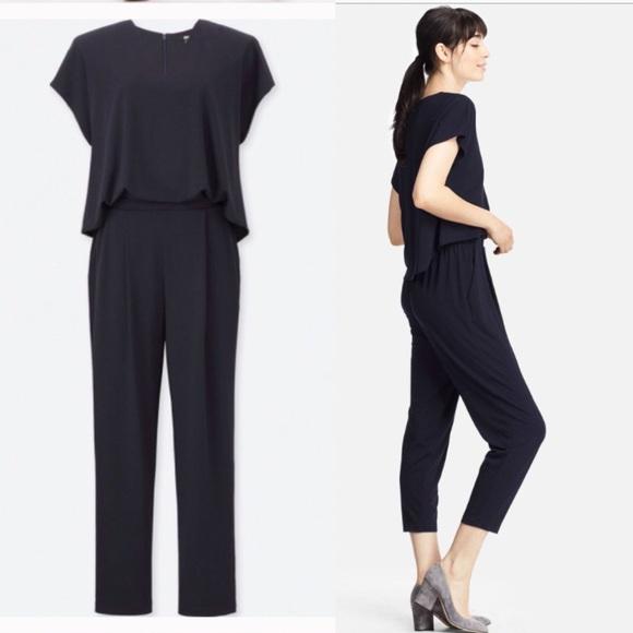 dd7b3ff3932 Uniqlo Black Jersey Short-sleeve jumpsuit. M 5a7383198af1c53c7e7a8ba0